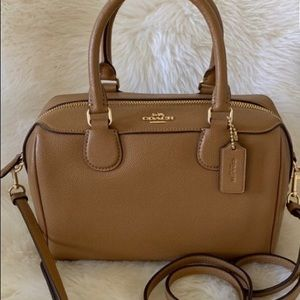 Brown coach Bennett satchel